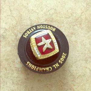 2005 NL CHAMPIONS BIGGIO REPLICA RING